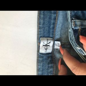 Calvin Klein vintage med. wash mom jeans!!